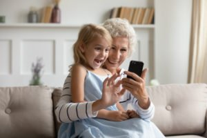 Seniorenhandys versichern